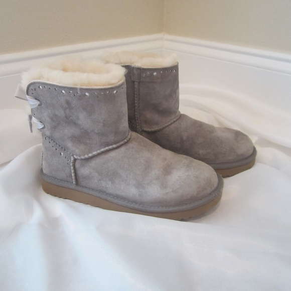 bfb3cdc1be0 Ugg 7 Short Grey Dixi Flora Suede Boots Back Bow